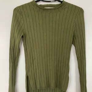Moussy olive top